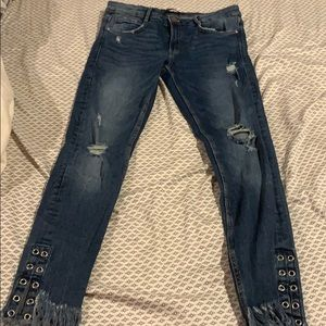 Zara skinny blue frayed jeans!!